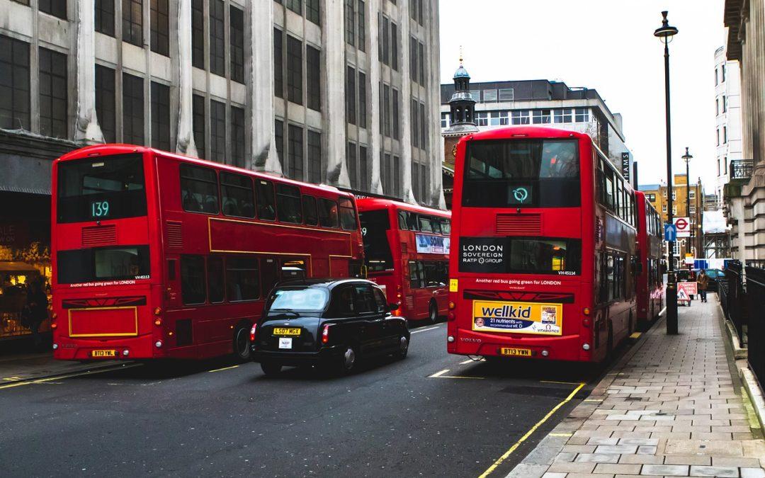 Taxi anglais : Pourquoi les taxis londoniens sont-ils noirs ?